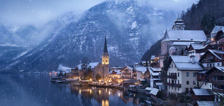 hallstatt austria snow
